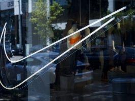 Retailer Defies Bureaucrats on Flag, Flies it Big-Time